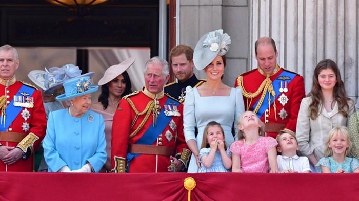 Британский королевский двор ищет SMM-специалиста