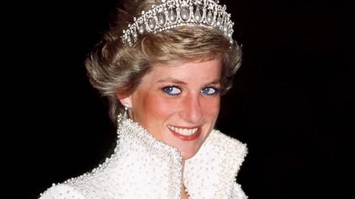 Легендарное платье принцессы Дианы пойдет с молотка за полмиллиона