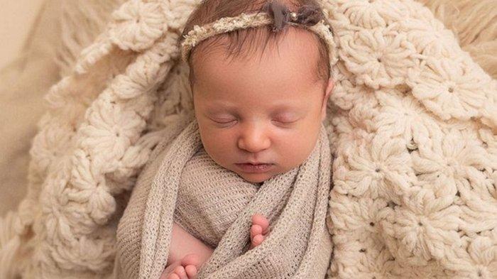 Американка родила девочку, которую зачали в 1992 году (фото)