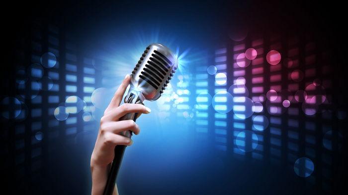 У кого из украинских певиц самый нежный и чувственный голос?