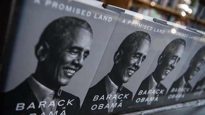 Книга Обамы установила рекорды в первый день продаж