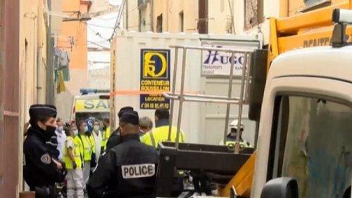 Во Франции спасли из дома мужчину весом в 300 кг (видео)