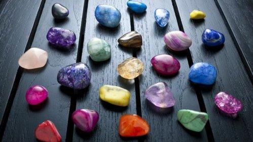 Камни по знаку зодиака: как выбрать свой талисман
