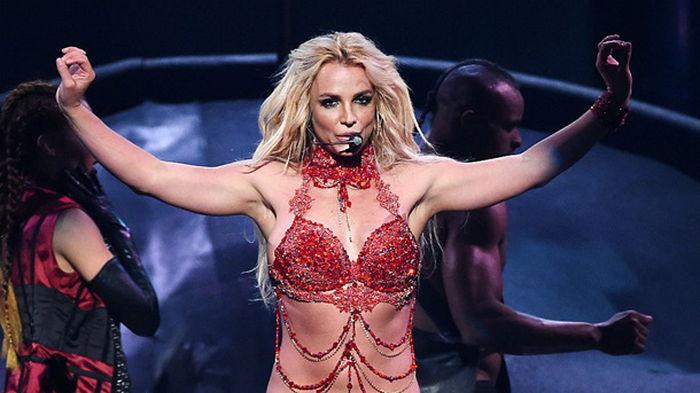 Бритни Спирс извинилась перед фанатами за годы лжи