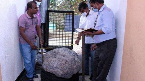 На Шри-Ланке во дворе случайно нашли огромный сапфир