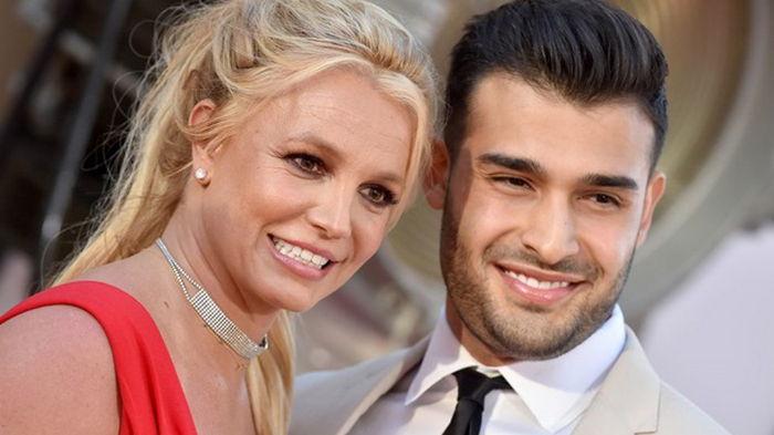 Бритни Спирс объявила о помолвке (видео)