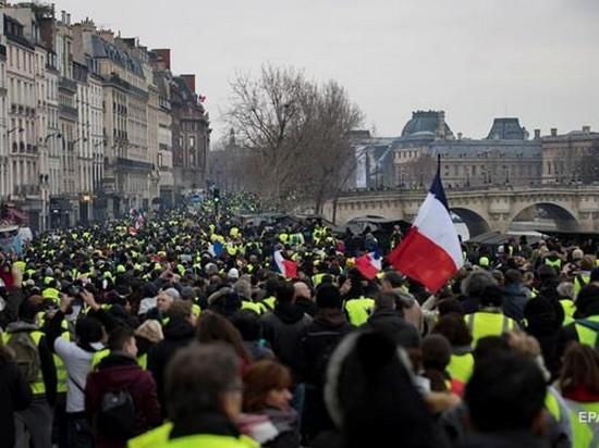 Протесты «желтых жилетов» во Франции: число участников увеличилось до 50 тысяч