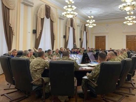 Полторак уволил 10 офицеров за неосвоение средств