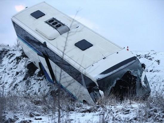 Столкновение автобуса с фурой в Калининградской области попало на видео