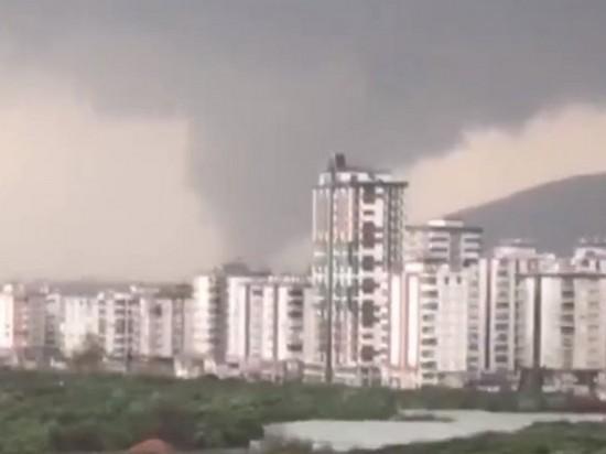На турецкий курорт обрушился торнадо, есть жертвы