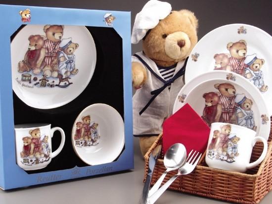 Детская посуда: обзор основного ассортимента и особенности выбора
