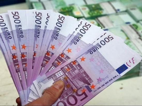Большинство стран ЕС прекратили выпуск банкнот в 500 евро