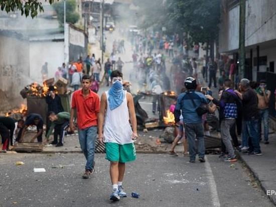 Протесты в Венесуэле: число задержанных приближается к 800