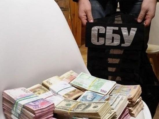 Топ-чиновника из Минобороны задержали на взятке