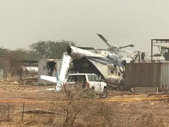 В Африке упал военный вертолет с 23 людьми на борту