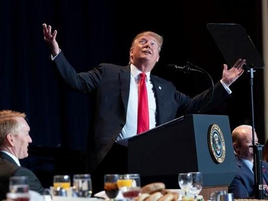 «Усердно работаю»: Дональд Трамп доволен своим рейтингом