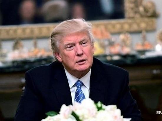 Трамп назвал себя «спасителем» экономики США