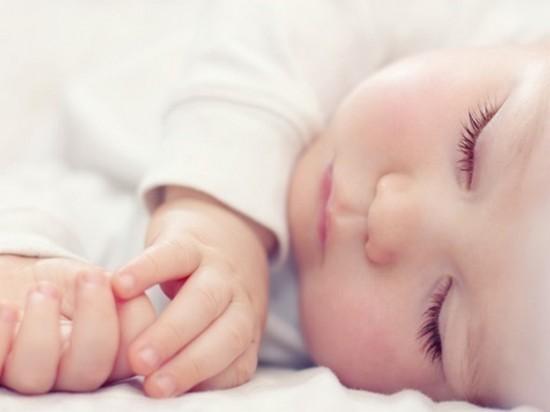 Каждый пятый новорожденный регистрируется без отца — Минюст