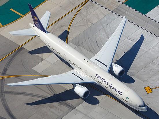 Мать забыла ребенка в аэропорту и заставила пилота развернуть самолет
