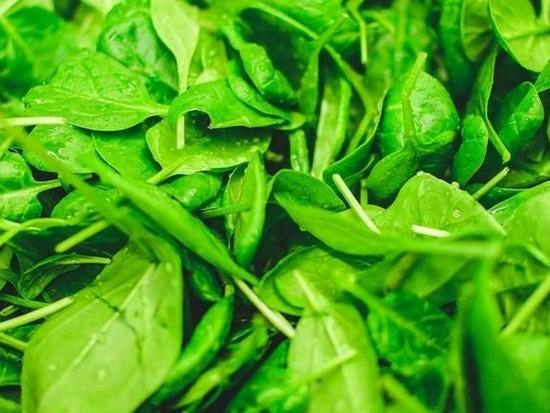 Исследователи объяснили чем полезен шпинат