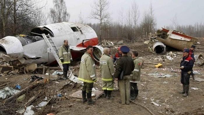 На обломках самолета президента Польши найдены следы тротила - СМИ