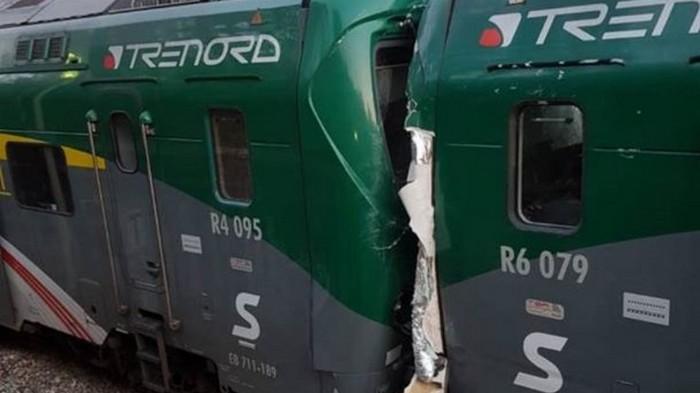 Два поезда столкнулись в Италии: 50 пострадавших