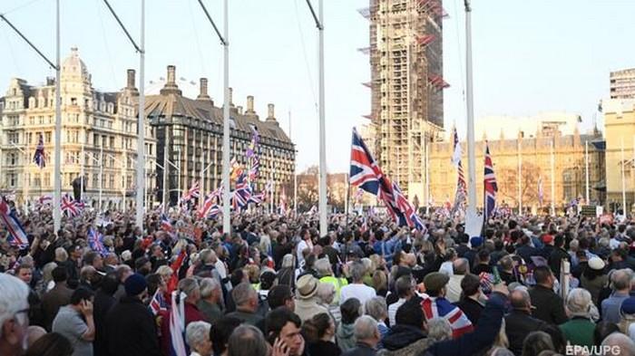 В Лондоне сторонники Brexit вышли на протест