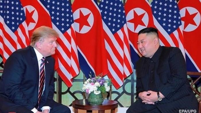 СМИ: Трамп просил Ким Чен Ына перевезти ядерное оружие в США