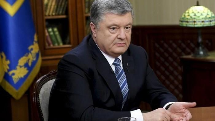 Штаб Порошенко позвал Зеленского на медосмотр