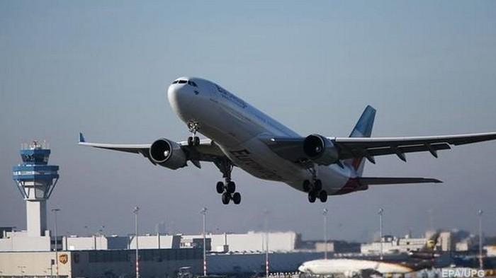 В США масштабный сбой привел к задержке сотен авиарейсов