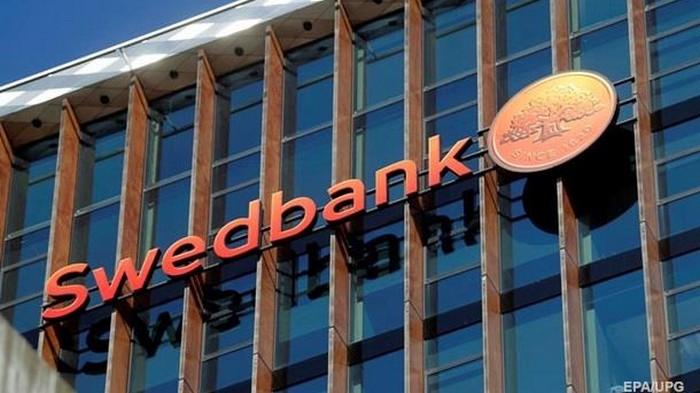 Глава Swedbank ушел в отставку из-за скандала с отмыванием денег