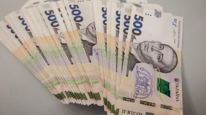 Какая зарплата у иностранцев в Украине