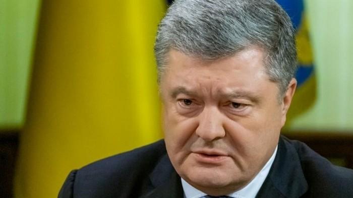 Порошенко зовет Зеленского на дебаты 14 апреля