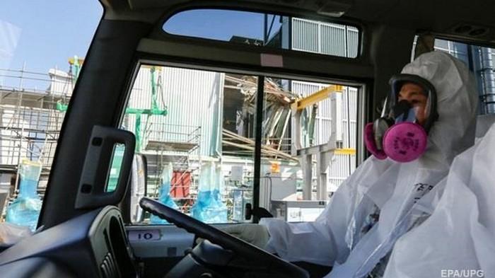 В Японии начали вывозить топливо из бассейна реактора АЭС Фукусима-1