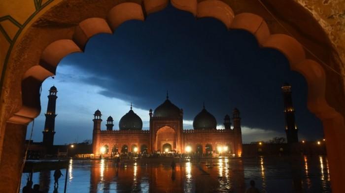 На Пакистан обрушилось смертельное наводнение: десятки погибших