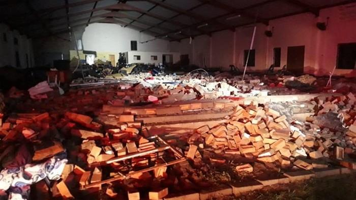 В ЮАР во время пасхальной службы обрушилась церковь