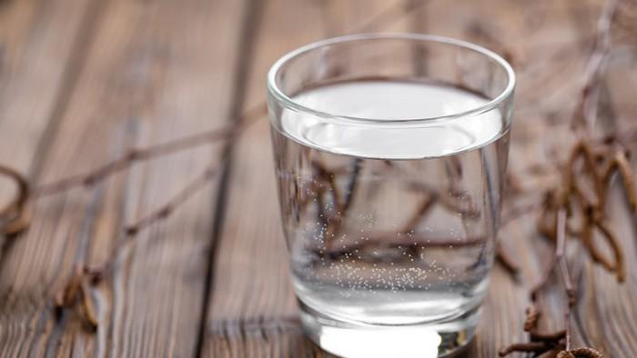Березовый сок: чем полезен и как собирать