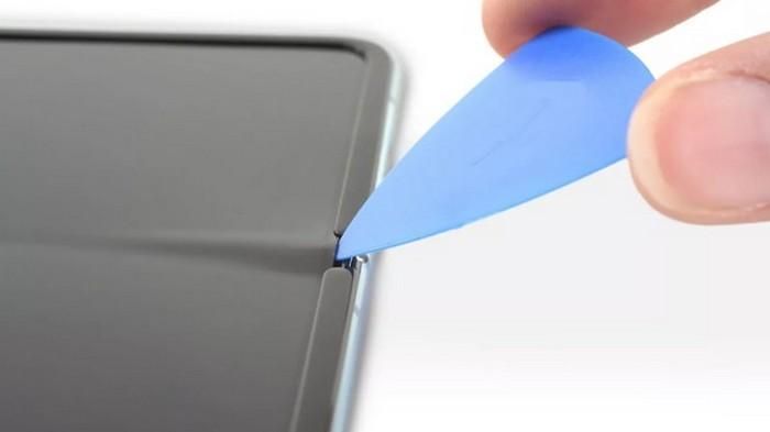 Найдена проблема в экранах гибких смартфонов Samsung