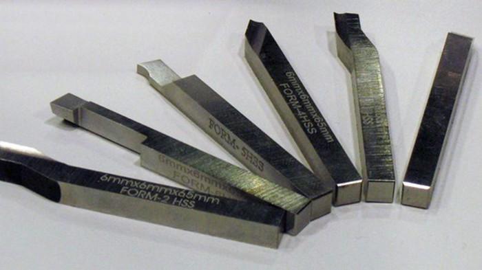 Токарные резцы — неотъемлемые элементы резки металла