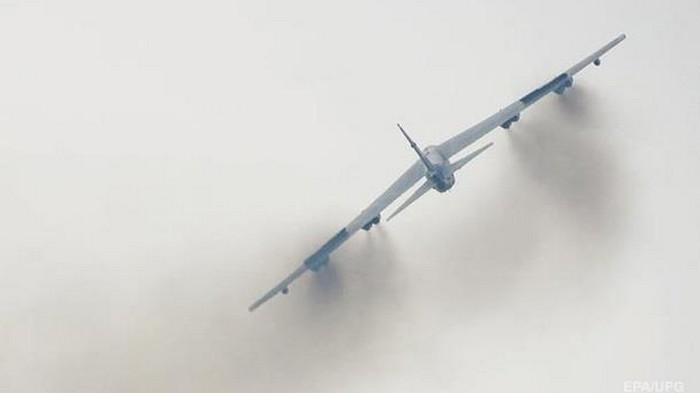 Ядерный бомбардировщик B-52 запустили взрывом (видео)
