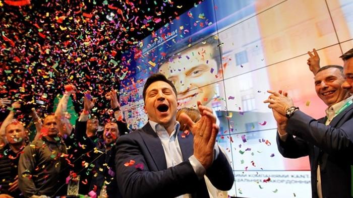 Зеленский в три раза увеличил отрыв от Порошенко