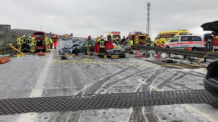 В Германии столкнулись полсотни авто (фото)