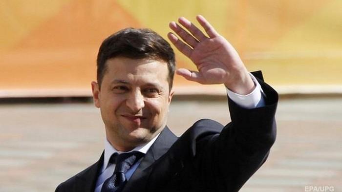 Зеленский предложил Кабмину уйти в отставку