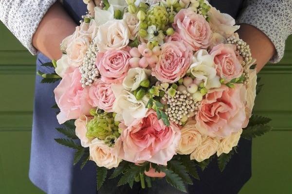 Как оформляется свадебный букет невесты