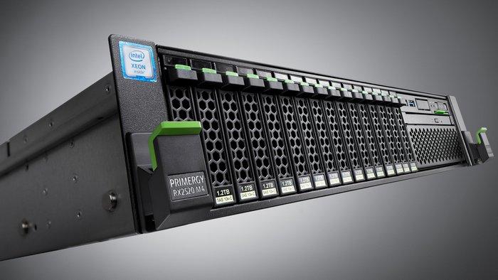 Система Fujitsu RX4770 для решения большого количества задач