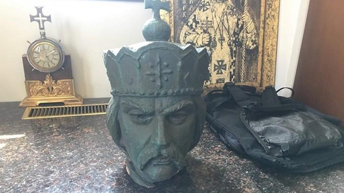 В Канаде нашли голову памятника Владимиру Великому