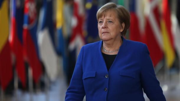Меркель рассказала, кого предложит на пост главы Еврокомиссии