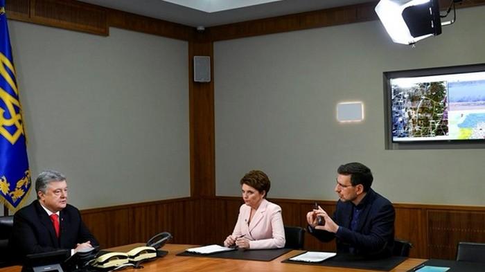 У Порошенко отреагировали на пропажу серверов в АП