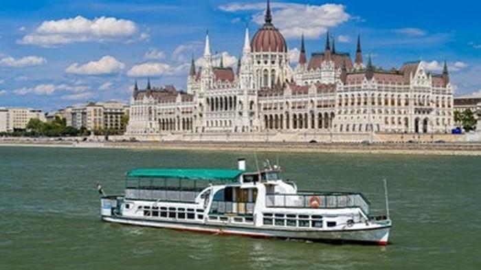 Затонувший в Будапеште теплоход построили в Херсоне (видео)