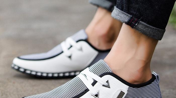 Где можно недорого купить фирменную обувь по цене производителя